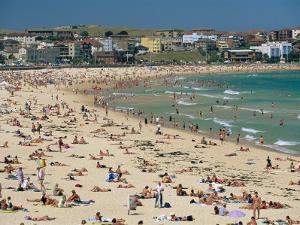 Bondi Beach, Nsw, Australia by Robert Francis
