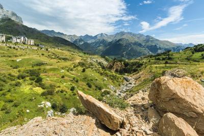 Rio Gallego and the Tena Valley beyond, below Formigal ski resort, Formigal, Sallent de Gallego, Hu