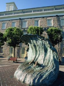 Sculpture Depicting Someone Diving into a Wave, Newport, Rhode Island, New England, USA by Robert Francis
