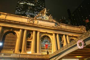 Grand Central Station Christmas by Robert Goldwitz