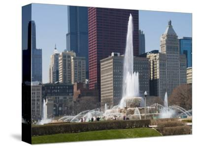 Buckingham Fountain in Grant Park, Chicago, Illinois, United States of America, North America