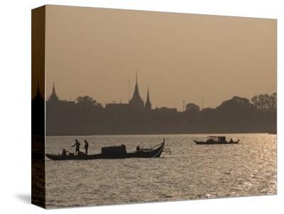 Fishermen on the Mekong River, Phnom Penh, Cambodia, Indochina, Southeast Asia