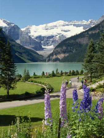 Lake Louise, Banff National Park, UNESCO World Heritage Site, Rocky Mountains, Alberta, Canada by Robert Harding