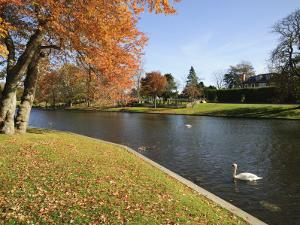 Village Green, East Hampton, the Hamptons, Long Island, New York State, USA by Robert Harding