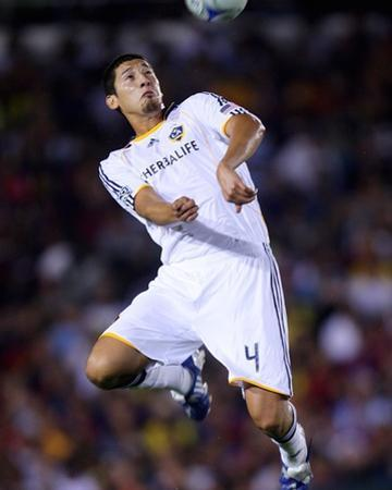Aug 1, 2009, FC Barcelona vs Los Angeles Galaxy - Omar Gonzalez by Robert Mora