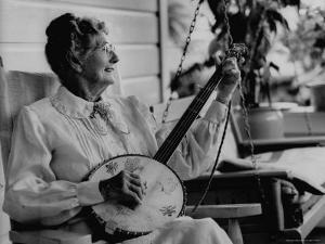 Banjo Player Aunt Samanthey by Robert W. Kelley