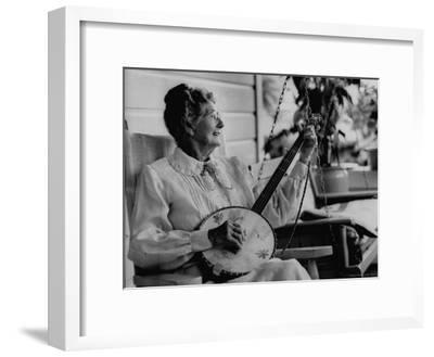 Banjo Player Aunt Samanthey