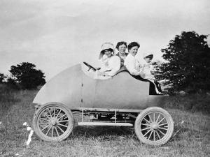 Robert Wil-De-Gose, His Mother and Nanny in the Bug, 1912