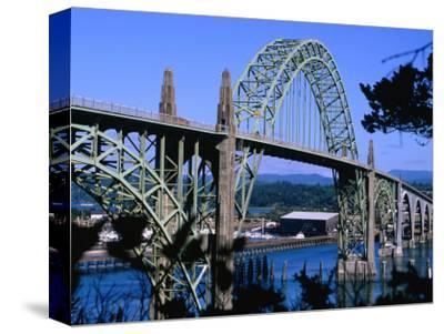 Yaquina Bay Bridge Built in 1936, Newport, Oregon, USA