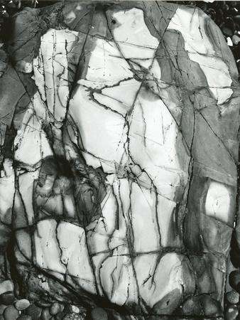 https://imgc.artprintimages.com/img/print/rock-formation-baja-california-1968_u-l-q1g6luj0.jpg?p=0