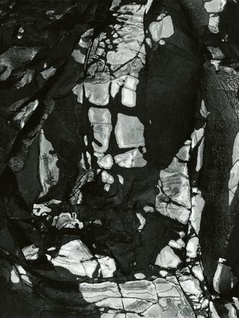 https://imgc.artprintimages.com/img/print/rock-formation-oregon-1968_u-l-q1g6iwy0.jpg?p=0