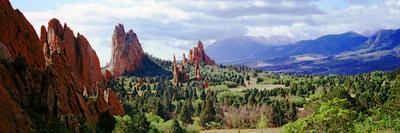 https://imgc.artprintimages.com/img/print/rock-formations-on-a-landscape-garden-of-the-gods-colorado-springs-colorado-usa_u-l-pnvo630.jpg?p=0