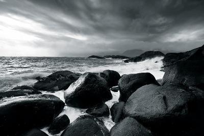 Rocks and Spray-Andreas Stridsberg-Giclee Print