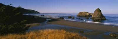 Rocks on the Beach, Cannon Beach, Oregon, USA--Photographic Print