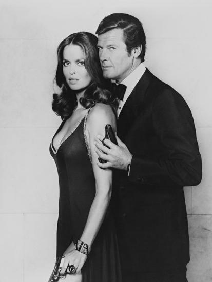 Roger Moore, Barbara Bach. the 007, James Bond: Spy Who Loved Me, 1977)--Photographic Print