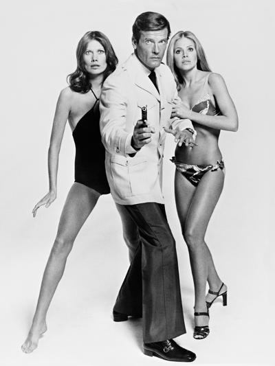 Roger Moore, Britt Ekland, Maud Adams, The 007, James Bond: Man with the Golden Gun,1974--Photographic Print