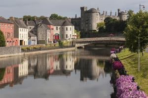 Castle and River Nore, Kilkenny, County Kilkenny, Leinster, Republic of Ireland, Europe by Rolf Richardson