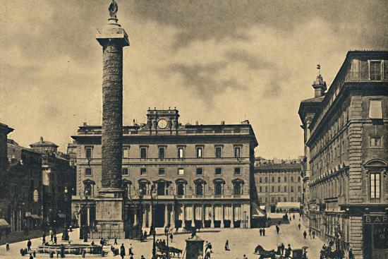 ''Roma - Square and Column of Marcus Aurelius', 1910-Unknown-Photographic Print