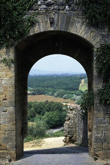 Roman Gate, Monteriggioni, Tuscany, Italy, 13th Century--Giclee Print
