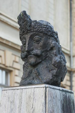 https://imgc.artprintimages.com/img/print/romania-transylvania-sighisoara-statue-of-vlad-tepes_u-l-pyq8jr0.jpg?p=0