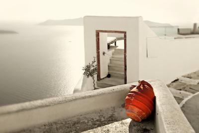 https://imgc.artprintimages.com/img/print/romantic-holidays-amazing-santorini-artistic-toned-picture_u-l-q103wug0.jpg?p=0
