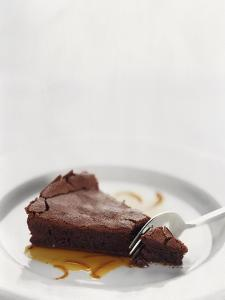 Gourmet - February 2001 by Romulo Yanes