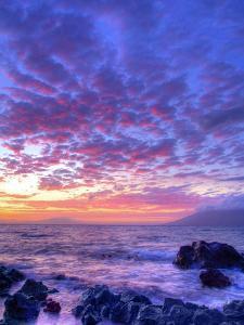 Sunset over beach at Wailea on Maui by Ron Dahlquist