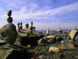 Balanced Rocks Along Seawall, Stanley Park, Vancouver, British Columbia, Canada. by Ron Watts