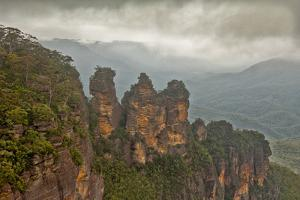 Australia, New South Wales, Blue Mountains, Echo Point, Three Sisters by Rona Schwarz