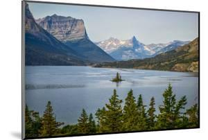 Montana, Glacier NP, Wild Goose Island Seen from Going-To-The-Sun Road by Rona Schwarz