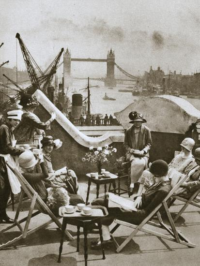 Roof garden of the Langbourne Club for City women, Fishmonger Hall Street, London, c1920s-Unknown-Photographic Print