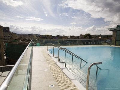 https://imgc.artprintimages.com/img/print/roof-top-pool-in-new-royal-bath-thermae-bath-spa-bath-avon-england-united-kingdom_u-l-p1fuoh0.jpg?p=0