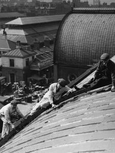 Roof Workers