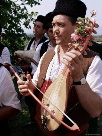 https://imgc.artprintimages.com/img/print/rose-festival-bulgaria_u-l-p1v9zp0.jpg?p=0
