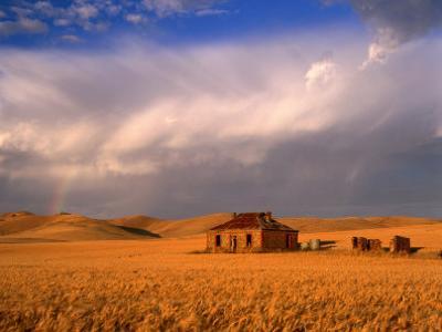 Abandoned Stone Farmhouse on the Barrier Highway Near Burra, Burra, South Australia, Australia