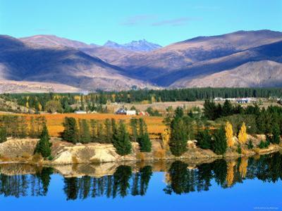 Bannockburn, Reflections in Lake Dunstan and Hector's Range, New Zealand