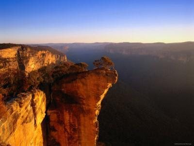 Hanging Rock Overlooking the Grose River Gorge Near the Town of Blackheath, Australia