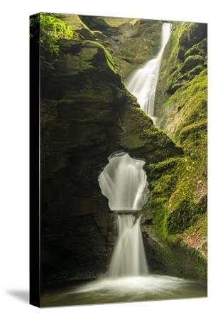 St Nectan'S Kieve, A Sixty Foot Waterfall, Saint Nectan'S Glen