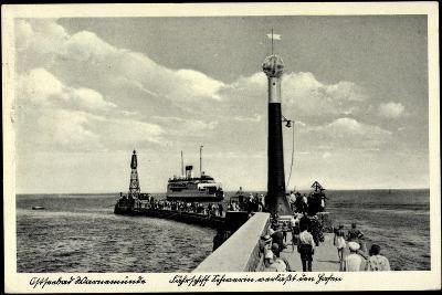 Rostock Warnemünde, Fährschiff, Leuchtturm, Hafen--Giclee Print