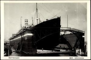 Rotterdam, Dampfschiff in Der Schwimmenden Werft