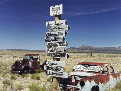 https://imgc.artprintimages.com/img/print/route-66-which-cross-united-states-from-los-angeles-to-chicago-photo-taken-in-2005_u-l-pwgloy0.jpg?p=0