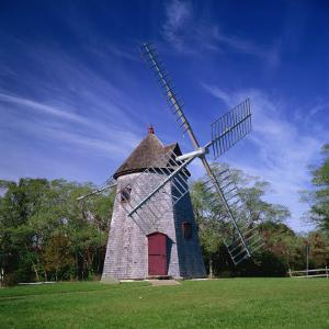 Oldest Windmill on Cape Cod, Dating from 1680, at Eastham, Massachusetts, New England, USA by Roy Rainford
