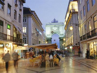 https://imgc.artprintimages.com/img/print/rua-augusta-lisbon-portugal-europe_u-l-p2jsn50.jpg?p=0
