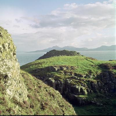 Ruadha a Dunain, a Promontory Fort on the Isle of Skye-CM Dixon-Photographic Print