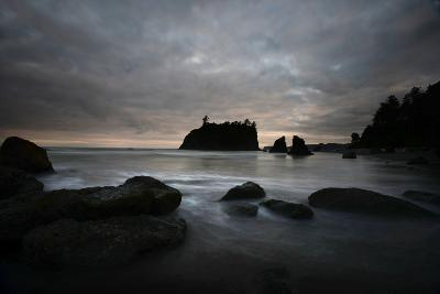 Ruby Beach in the Olympic National Park, Washington-Raul Touzon-Photographic Print