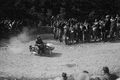 Rudge-Whitworth and sidecar of FV Garratt competing in the