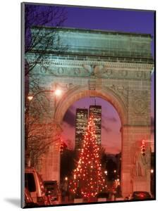 Christmas Tree in Washington Square Arch, NYC by Rudi Von Briel
