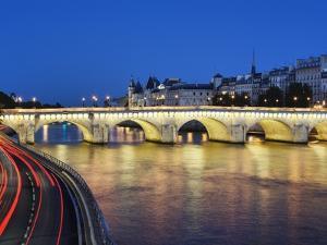 Pont Neuf at twilight by Rudy Sulgan