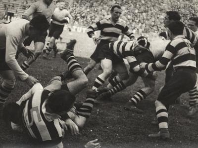 https://imgc.artprintimages.com/img/print/rugby-match_u-l-q10tnrb0.jpg?p=0