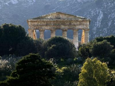 https://imgc.artprintimages.com/img/print/ruined-greek-doric-temple_u-l-pd3kvr0.jpg?p=0